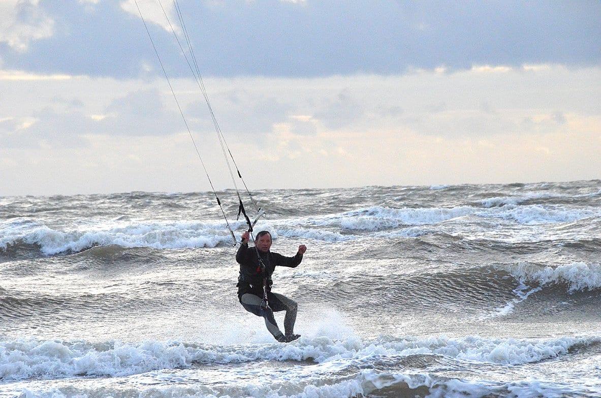 Kitesurfing acrobatics