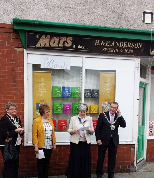 Dedicating the Blue Plaque at Rimmers.Photo: Maureen Blair