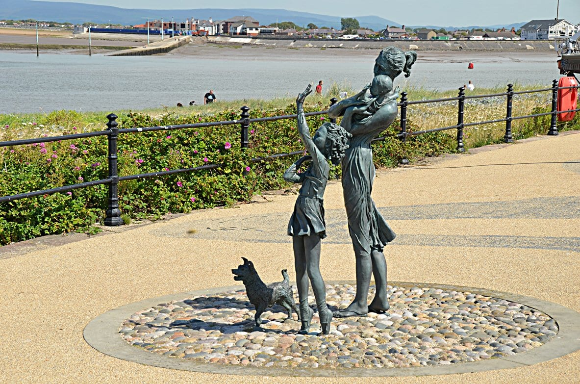Welcome Home statue on Fleetwood Esplanade adjacent to Ferry Beach