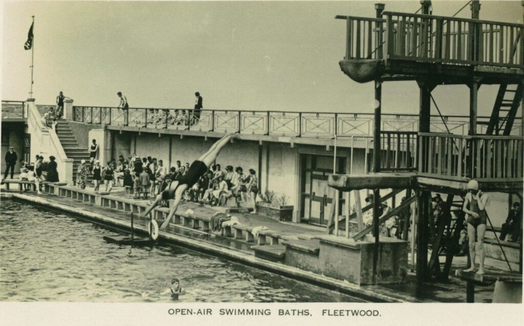 Old photos of Fleetwood. Fleetwood open air swimming baths