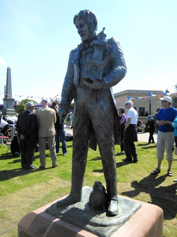 Statue of Sir Peter Hesketh Fleetwood