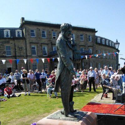 Statue of Sir Peter Hesketh Fleetwood