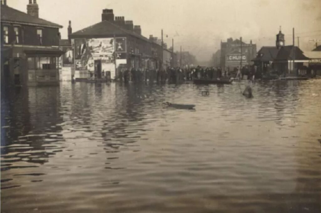 Flooding in Fleetwood in 1927 - this is the Fisherman's Walk area
